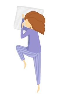 Ragazza addormentata in pigiama viola isolato su priorità bassa bianca.