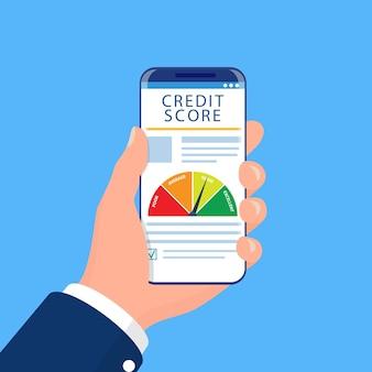 Smartphone con app per il punteggio di credito sullo schermo