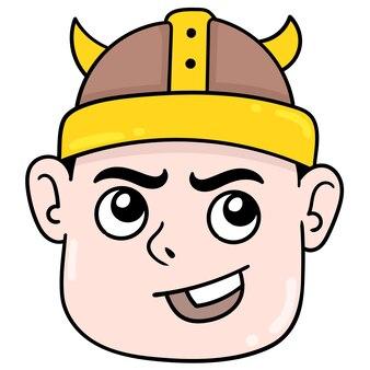 Faccia sorridente ragazzo che indossa un cappello tribale vichingo, emoticon di cartone illustrazione vettoriale. disegno dell'icona scarabocchio