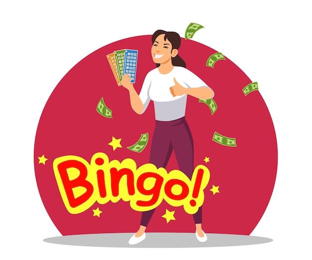 La donna fortunata sorridente tiene i biglietti della lotteria vincenti ha vinto il segno di bingo del premio in denaro