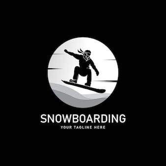 Snowboard silhouette stilizzata, logo o modello di emblema Vettore Premium