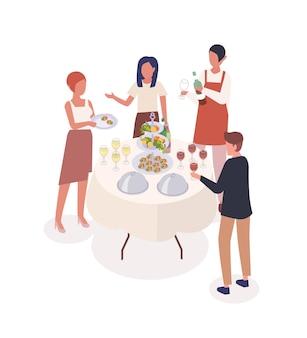 Illustrazione isometrica di vettore di evento sociale. pasto in piedi, serata, celebrazione. personaggi dei cartoni animati di camerieri e visitatori della festa. catering, ospiti e personale di servizio isolato su sfondo bianco.