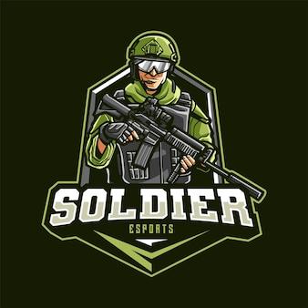 Logo della mascotte del soldato per esport e sport