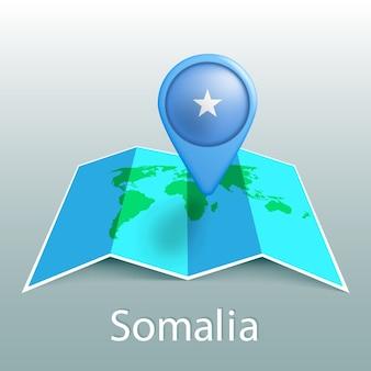 Somalia bandiera mappa del mondo nel pin con il nome del paese su sfondo grigio