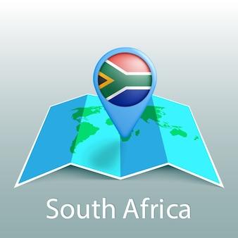 Mappa del mondo di bandiera del sud africa nel pin con il nome del paese su sfondo grigio