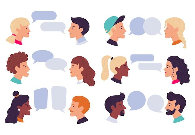 Persone che parlano.