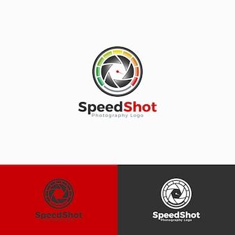 Modello di logo con scatto veloce