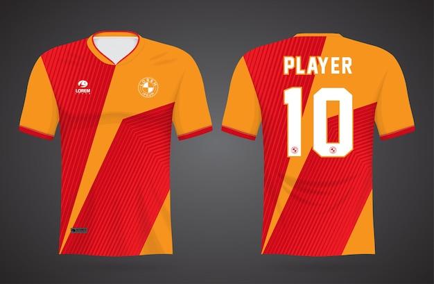 Modello di maglia sportiva rossa e arancione per le divise della squadra e il design della maglietta da calcio