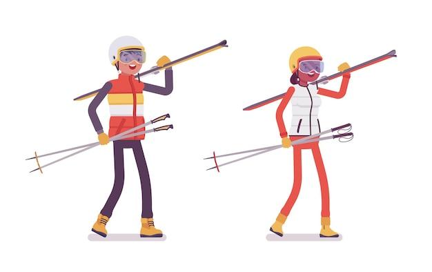 Uomo e donna sportivi che trasportano attrezzatura da sci, attività invernali all'aperto sul resort, vacanze attive, divertimento, attività ricreative invernali. illustrazione del fumetto di stile piano vettoriale isolato su sfondo bianco