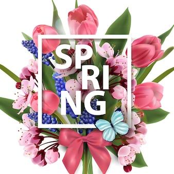 Sfondo primaverile con fiori primaverili in fiore tulipani rosa fiori di ciliegio