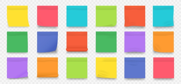 Pagine di blocco note in bianco colorate quadrate con bordi sgualciti