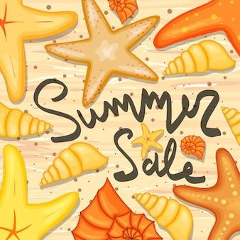 Stelle marine e conchiglie e un modello di etichetta su sconti e saldi estivi