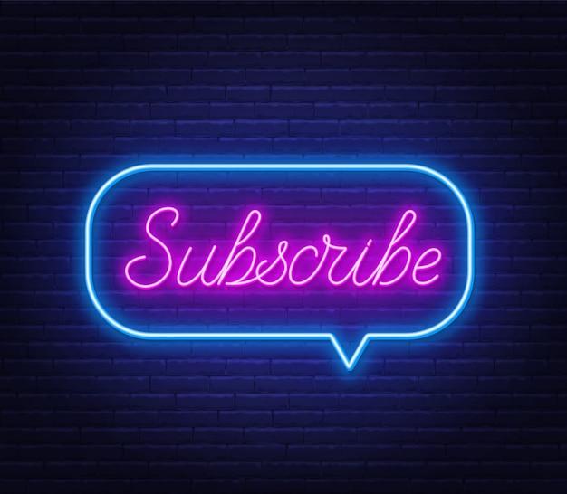 Iscriviti al testo al neon in una cornice a fumetto su uno sfondo di muro di mattoni.