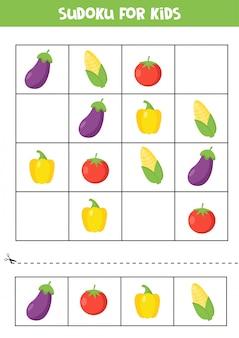Gioco di sudoku con melanzane, mais, pomodoro e pepe.