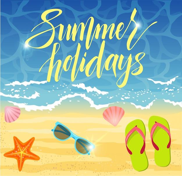 Design di banner di estate in spiaggia con elementi estivi.