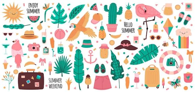 Elementi estivi. vacanze estive bevande, frutta, foglie di palma, fenicotteri, pappagalli e fiori della giungla. set di simboli estivi carino.