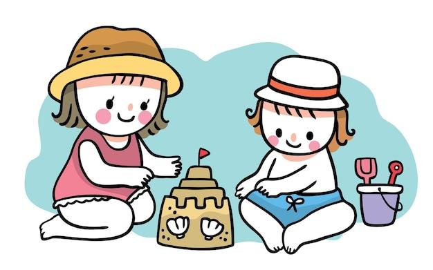 Ragazza e ragazzo svegli del fumetto di tiraggio della mano di estate che giocano la sabbia sul vettore della spiaggia.