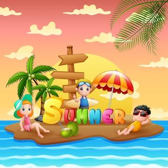 Vacanze estive con bambini sull'isola della spiaggia