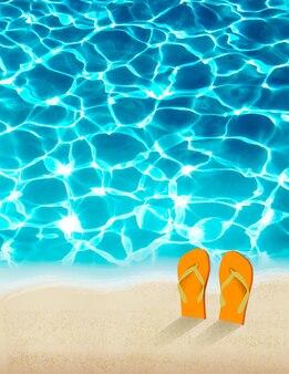 Fondo di vacanze estive con bella acqua di mare.