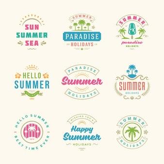 Insieme di progettazione di retro tipografia etichette e distintivi di vacanze estive.