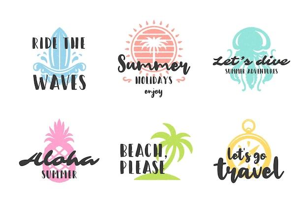 Vacanze estive tipografia citazioni ispiratrici design per poster o abbigliamento set illustrazione vettoriale. simboli e oggetti di stile disegnati a mano.