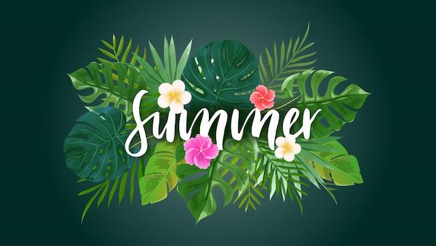 Iscrizione di estate con foglie e fiori tropicali in tema verde.