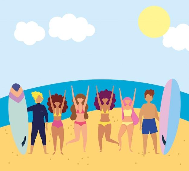Attività estive con costumi da bagno e tavola da surf, relax in riva al mare e attività ricreative all'aperto