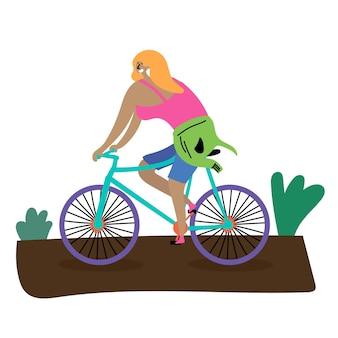 Ciclismo sportivo estivo ragazza bionda in bicicletta ecoturismo riposo estivo ispira a viaggiare