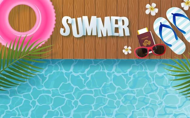Design per le vacanze estive con fiori tropicali colorati sulla spiaggia