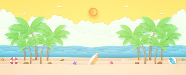 Summer time paesaggio marino alberi di cocco e roba estiva sulla spiaggia con mare ondulato sole luminoso