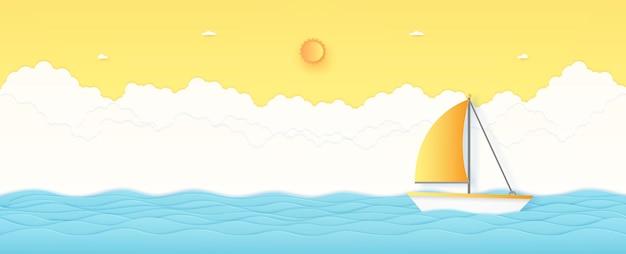 Summer time, paesaggio marino, barca a vela con mare ondulato blu, sole splendente e cielo soleggiato arancione, stile di arte della carta