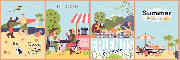 Set di poster per le vacanze estive amici dei cartoni animati sulla spiaggia tropicale