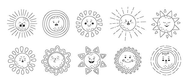 Set lineare piatto sole. soli carini disegnati a mano. divertente contorno infantile raccolta di emoticon soleggiate. personaggio dei cartoni animati di sole sorridente raggi di sole. emoticon estive di linea nera emoji. illustrazione isolata