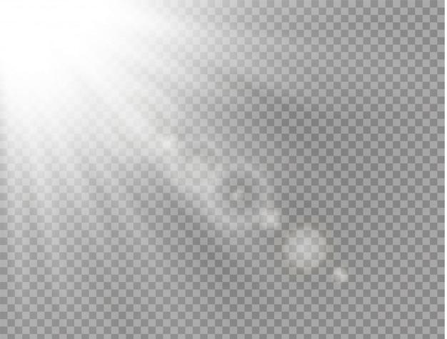 La luce del sole è un disegno speciale traslucido dell'effetto luce. sfondo trasparente luce solare isolata. raggi di luce orizzontali.