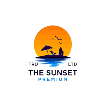 Vettore dell'illustrazione di progettazione di logo della spiaggia di tramonto