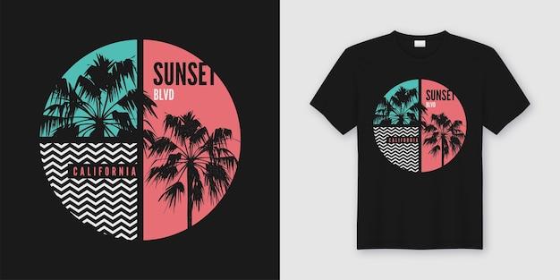 T-shirt sunset blvd california e abbigliamento dal design alla moda con sagome di palme, tipografia, stampa, illustrazione.