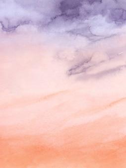 Tramonto cielo viola e arancio nuvoloso disegno astratto con il pennello acquerello per lo sfondo della natura. macchia artistica