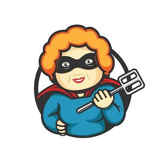 Super nonna mascotte logo che cucina tenendo la spatola
