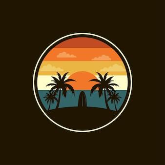 Surf logo design su una spiaggia tropicale, illustrazione