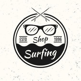Surf nero vintage emblema rotondo, distintivo, etichetta o logo con occhiali da sole illustrazione vettoriale su sfondo bianco con texture
