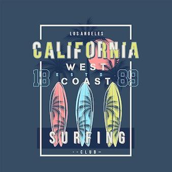 Surf design design della spiaggia della costa occidentale della california sul tema estivo con sfondo di palme