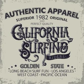 Progettazione grafica di t-shirt da surf. i surfisti della california dell'iscrizione della mano indossano l'emblema di tipografia. design creativo.