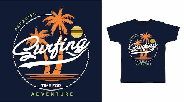 Tipografia da surf con design della maglietta dell'albero di palme
