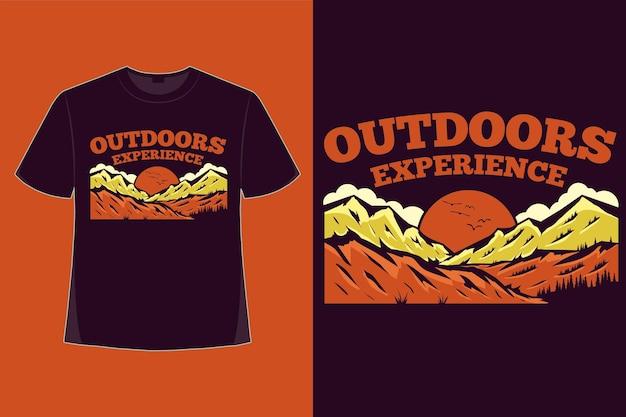 T-shirt design di esperienza all'aperto illustrazione vintage disegnata a mano di montagna