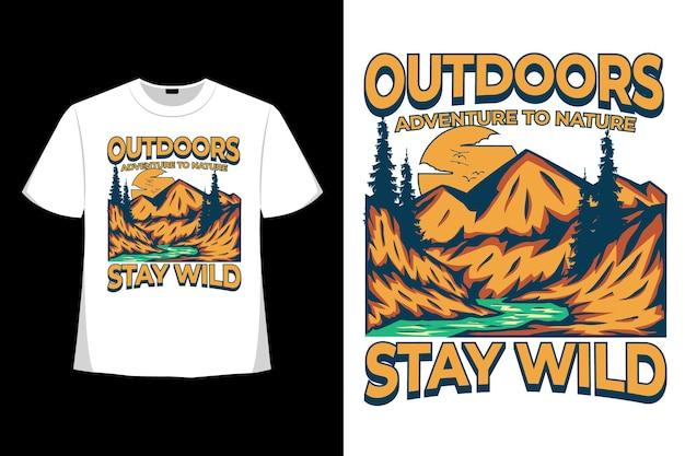 Il design della t-shirt dell'illustrazione vintage disegnata a mano di stile di natura avventura selvaggia all'aperto rimane all'aperto