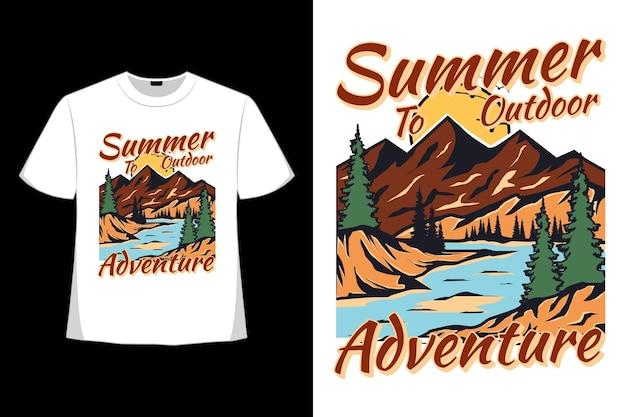 T-shirt design di estate avventura all'aria aperta natura disegnata a mano in stile retrò