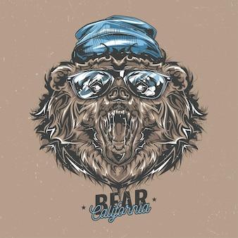 T-shirt design etichetta con illustrazione di orso stile hipster in un cappello e occhiali