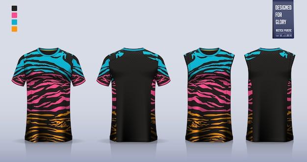 Mockup di t-shirt. modello di camicia sportiva design.