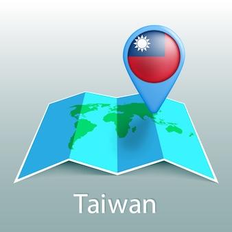 Mappa del mondo di bandiera di taiwan nel pin con il nome del paese su sfondo grigio