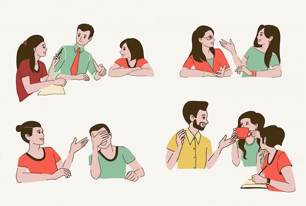 Parlando con persone, giovani donne e uomini sorridenti